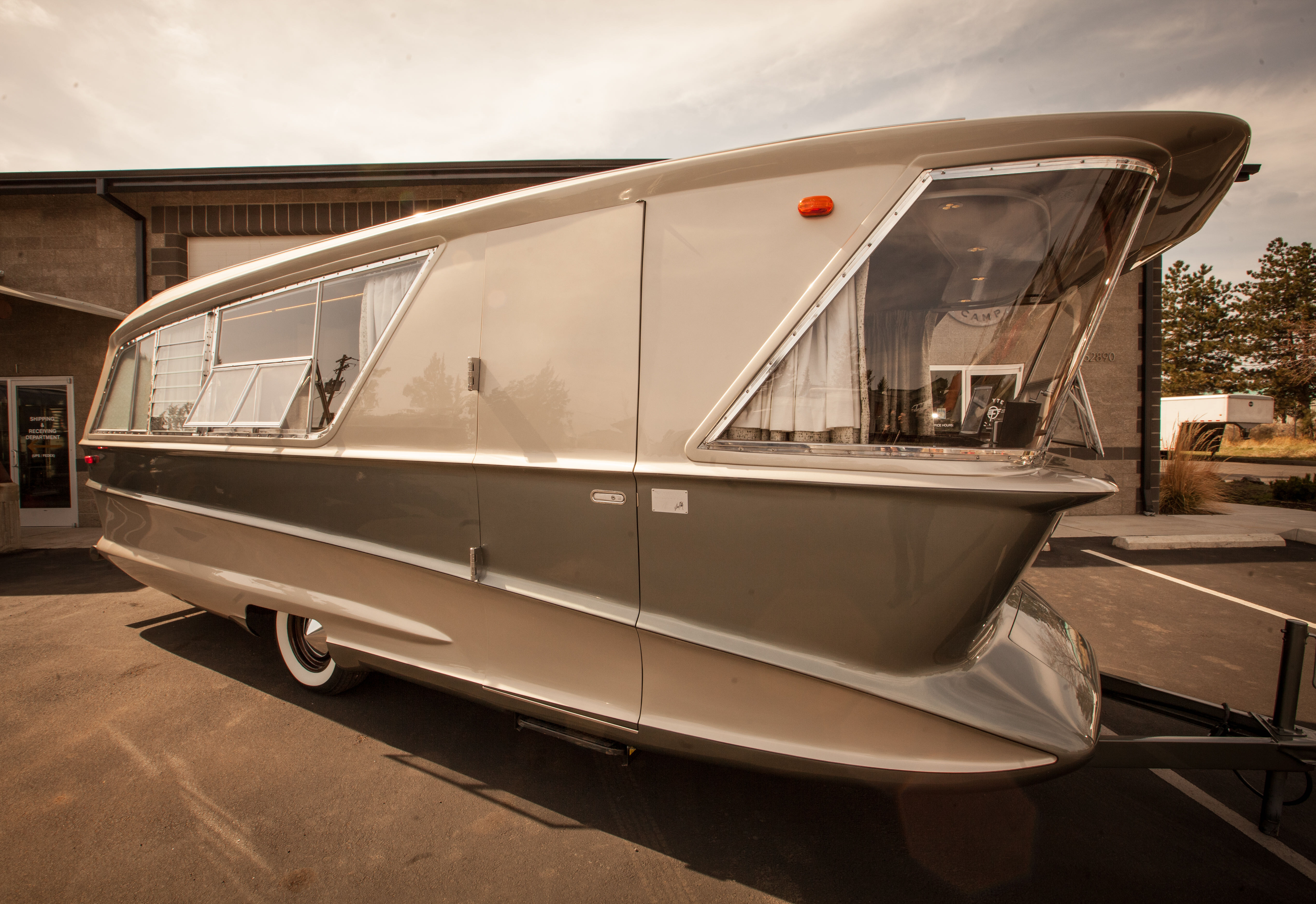 SOLD!! 1961 Holiday House Geographic Model X